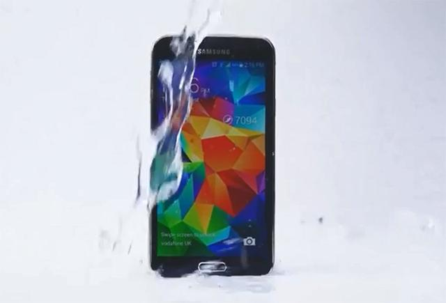 Ice Bucket Challenge of Samsung Galaxy S5